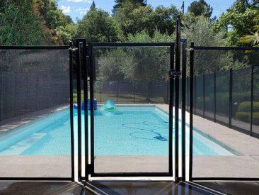 self-closing, self-locking pool gate Dallas